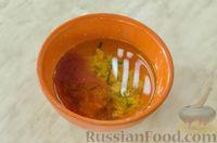 Фото приготовления рецепта: Свиные рёбрышки с розмарином, чесноком и мёдом, запечённые с картофелем - шаг №8