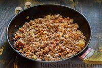 Фото приготовления рецепта: Запеканка из капусты с мясным фаршем (в духовке) - шаг №5
