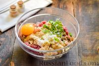 Фото приготовления рецепта: Мясные фрикадельки, запечённые в луково-морковном соусе - шаг №5