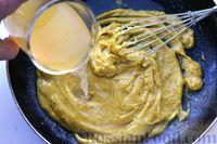 Фото приготовления рецепта: Отварной картофель, запечённый с куриным фаршем, под сливочно-сырным соусом - шаг №13