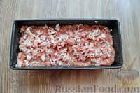 Фото приготовления рецепта: Запеканка из свиного фарша с кабачками, рисом и брусникой - шаг №10