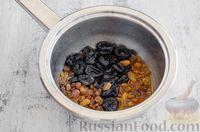 Фото приготовления рецепта: Конфеты из овсяных хлопьев с изюмом, черносливом и орехами - шаг №4