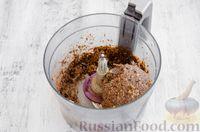 Фото приготовления рецепта: Конфеты из овсяных хлопьев с изюмом, черносливом и орехами - шаг №9