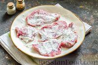 Фото приготовления рецепта: Тушёная говядина в соусе из помидоров - шаг №7