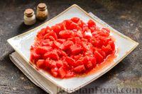 Фото приготовления рецепта: Тушёная говядина в соусе из помидоров - шаг №5