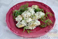 Фото приготовления рецепта: Минтай, тушенный в сметанно-майонезном соусе - шаг №12