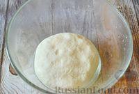 Фото приготовления рецепта: Чесночный хлеб «Улитка» - шаг №5