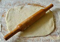 Фото приготовления рецепта: Чесночный хлеб «Улитка» - шаг №8