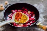 Фото приготовления рецепта: Пряный свекольный крем-суп с обжаренным нутом - шаг №9