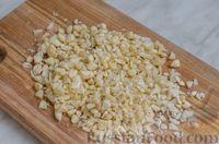 Фото приготовления рецепта: Свиные тефтели, тушенные в миндальном соусе с белым вином - шаг №12