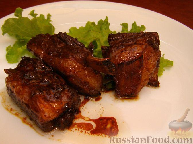 Свиные ребрышки с медом и соевым соусом