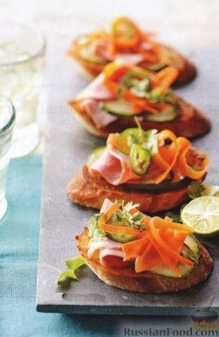 Рецепт Бутерброды с ветчиной и овощами