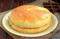Фото приготовления рецепта: Дрожжевые лепёшки на молоке, с картофелем и зелёным луком - шаг №20