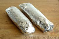 Фото приготовления рецепта: Скумбрия, запечённая с сельдереем и грибами (в фольге) - шаг №14
