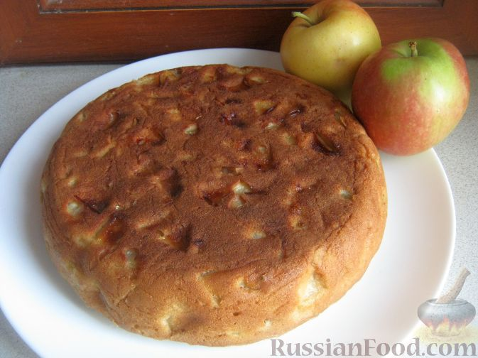 Рецепт Пышный бисквит с яблоками (в мультиварке)