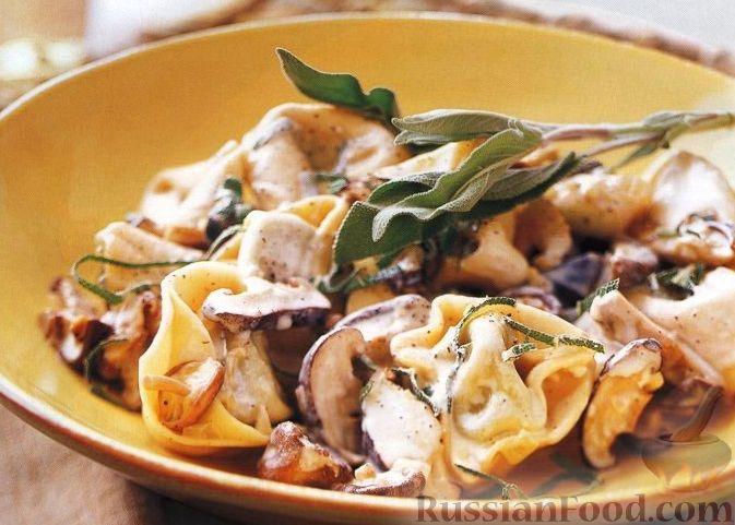 Рецепт Паста тортеллони с грибным соусом