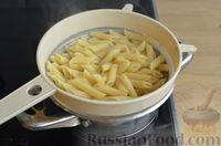 Фото приготовления рецепта: Макароны с копчёными колбасками в томатно-сливочном соусе - шаг №10