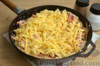 Фото приготовления рецепта: Макароны с копчёными колбасками в томатно-сливочном соусе - шаг №12