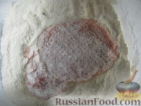 Фото приготовления рецепта: Отбивные из свинины в кляре - шаг №4