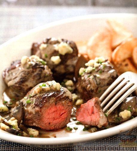 Рецепт Жареная говядина с соусом из грибов и голубого сыра