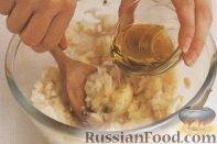 Фото приготовления рецепта: Котлеты из трески - шаг №2