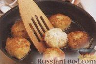 Фото приготовления рецепта: Котлеты из трески - шаг №4
