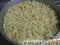 Фото приготовления рецепта: Паста c куриной грудкой под сливочным соусом - шаг №8