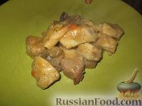 Фото к рецепту: Спеццатино (рагу, гуляш) из свинины с грибами