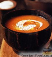 Фото к рецепту: Тыквенный суп-пюре с йогуртом