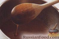 Фото приготовления рецепта: Медовые пирожные - шаг №2
