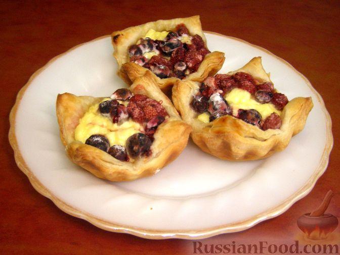 Рецепт Слоеные ватрушки с творогом и ягодами