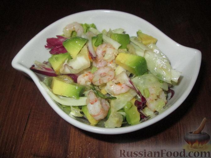 Рецепт Салат из авокадо с креветками, крабовыми палочками и фенхелем