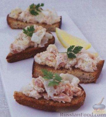 Рецепт Бутерброды с копченой рыбой, фенхелем и сыром маскарпоне