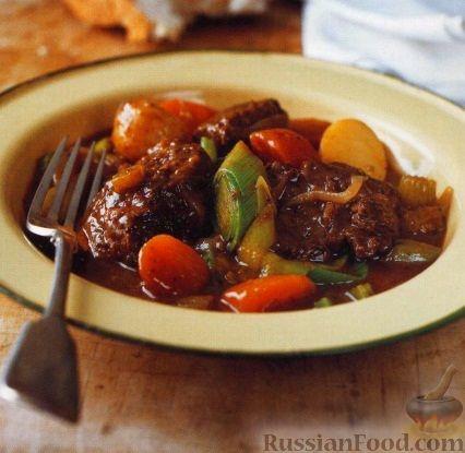 Рецепт Говядина с овощами, тушенная в духовке