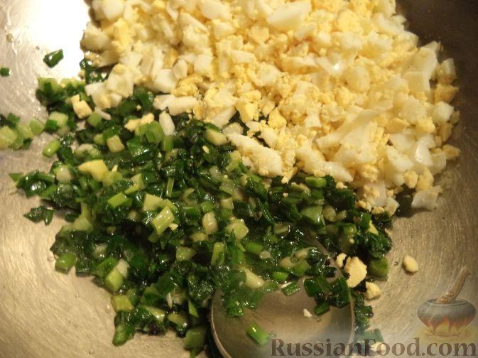Рецепт: Начинка для пирожков с зеленым луком и яйцом на
