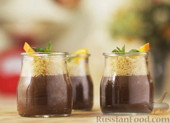 Рецепт Мусс из черного шоколада с ликером Куантро