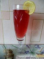 Фото к рецепту: Компот из ревеня, с лимоном и имбирем