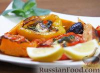Фото к рецепту: Теплый салат из печеных овощей, с песто и сыром