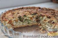 Фото к рецепту: Лоранский пирог с курицей, шампиньонами и брокколи