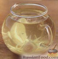 Фото к рецепту: Уксус, настоянный на лимонной траве, имбире и чесноке