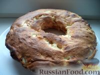 Фото к рецепту: Яблочный пирог (шарлотка) с корицей