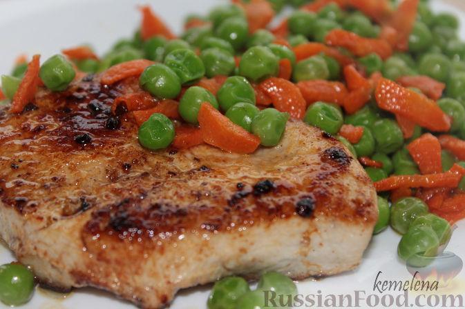 Рецепт Филе индейки с гарниром из горошка и моркови