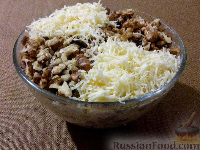 салат с курицей и грецким орехом и сыром рецепт