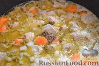 Фото приготовления рецепта: Тушеный гуляш с овощами - шаг №6